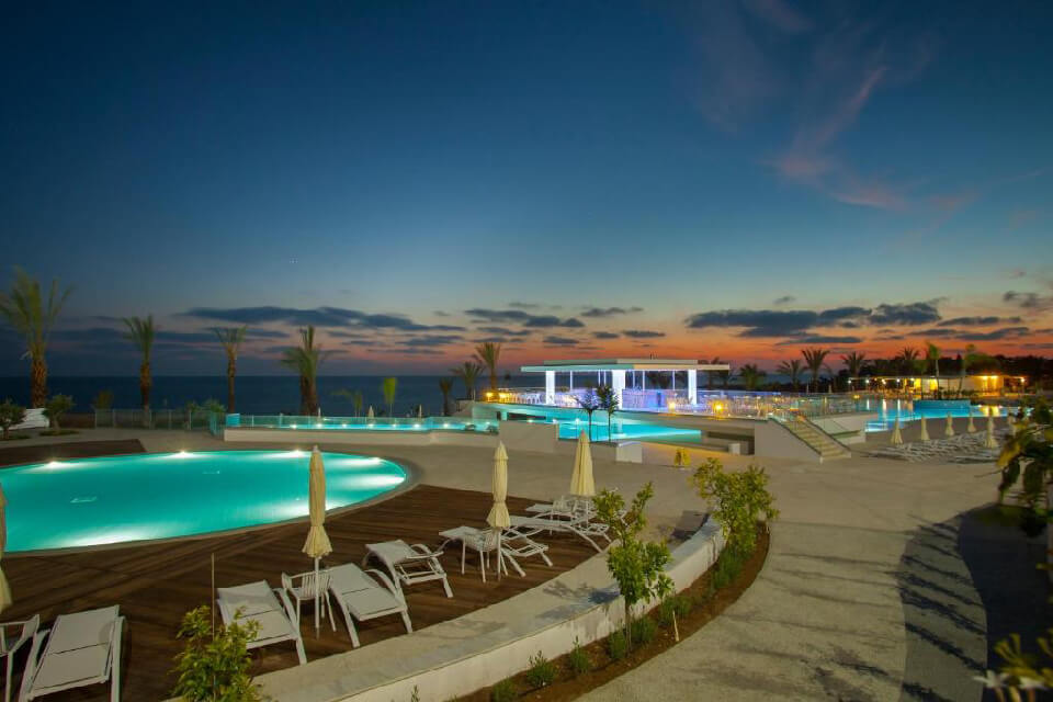 King Evelthon Beach Hotel & Resort 5*, Кипр