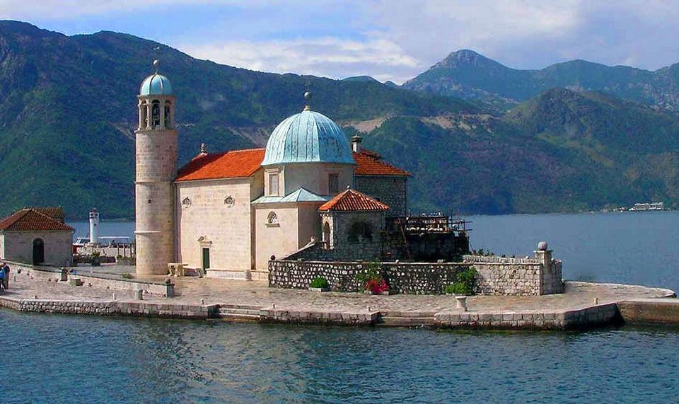 Церковь на острове Богородицы, Черногория