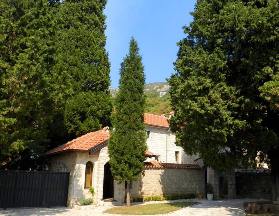 Монастырь Дулево, Черногория