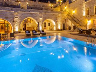 Отели Каппадокии с бассейном