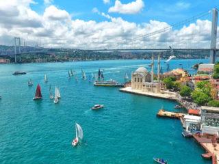 Отели Стамбула с бассейном